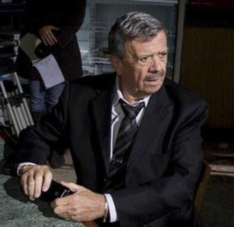 """El conductor y 'amigo de todos los niños' participará en un capítulo de la segunda temporada de 'Los Simuladores"""", programa protagonizado por Tony Dalton y el cual se transmite por Sony."""