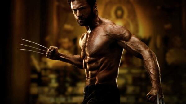 Hugh Jackman como Wolverine es definitivamente el más sexy de los mutantes. No nos molestaría que nos arañara con sus garras y hasta le perdonamos el peinado.