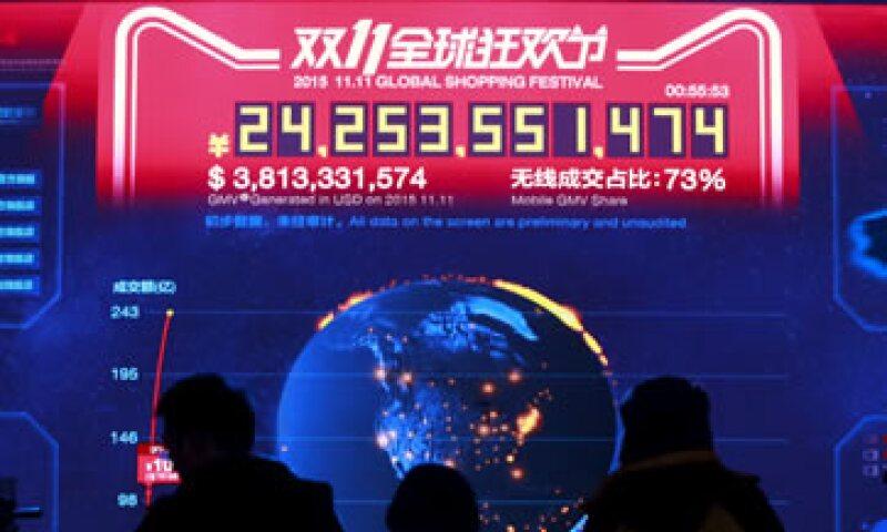 Un enorme marcador en el Cubo de Agua muestra en tiempo real las ventas de Alibaba. (Foto: Reuters )