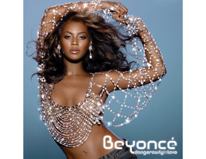 El fotógrafo mexicano colaboró en el diseño de la portada de Beyoncé.