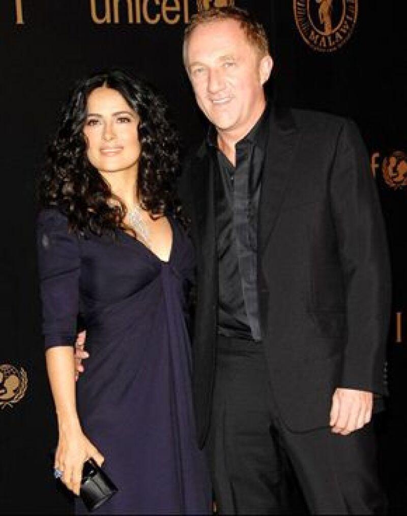 Se dice que su boda con Pinault el pasado 14 de febrero, se debió a un posible embarazo de dos meses de la actriz.