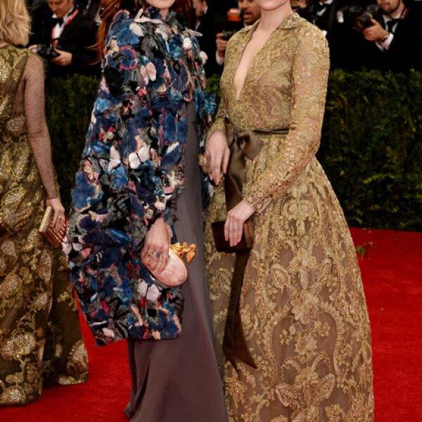 Florence Welch y Haley Bennett.