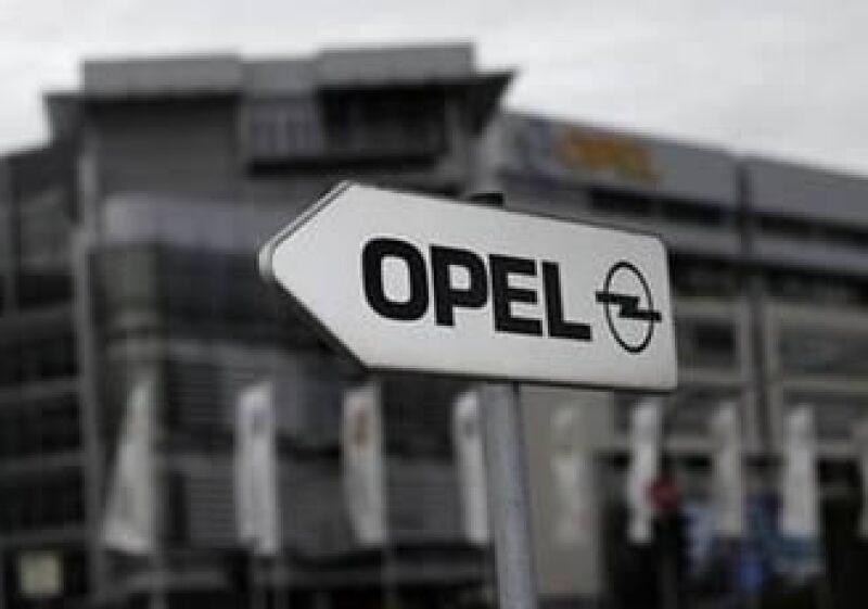 Berlín proveerá 4,500 millones de euros en garantías de préstamos para Opel tras su adquisición. (Foto: Reuters)