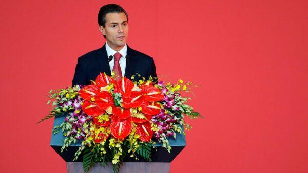 Enrique Peña Nieto y los escándalos en su cumpleaños 2.jpg
