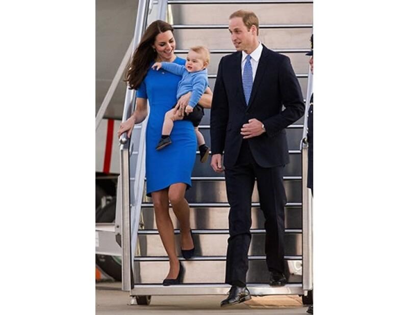 Uno de sus últimos looks del día, ad hoc con el outfit del príncipe George.