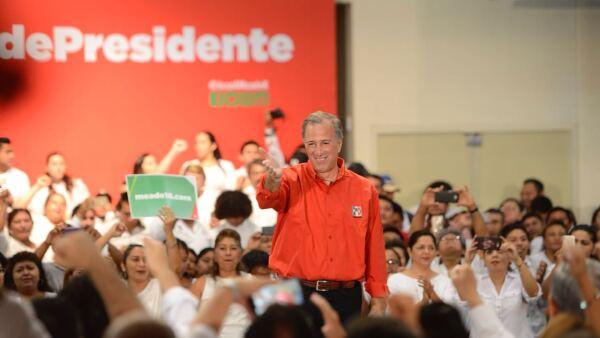 Meade busca el voto de adultos mayores