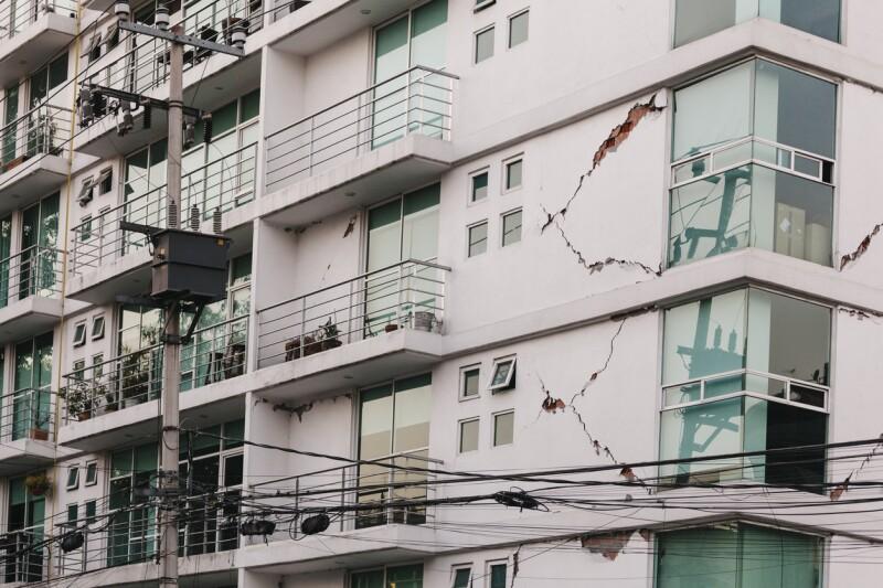 Reclamación de seguro por terremoto.