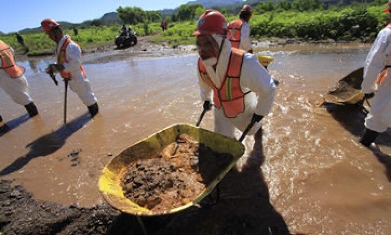 El Gobierno dice que aún no se tasa el daño total por el derrame.  (Foto: Cuartoscuro)