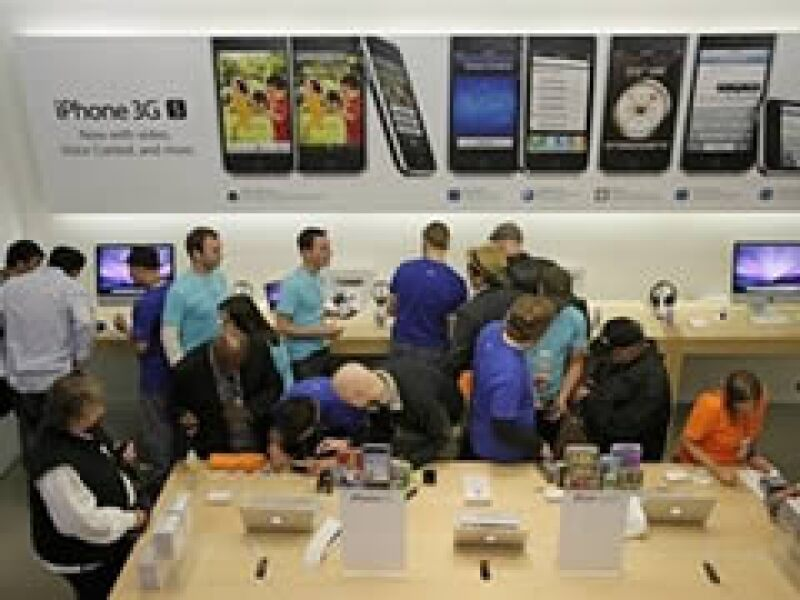 El reporte de ventas de Apple se dio a través de un comunicado de Steve Jobs, el primer contacto del ejecutivo desde su transplante de órgano. (Foto: AP)