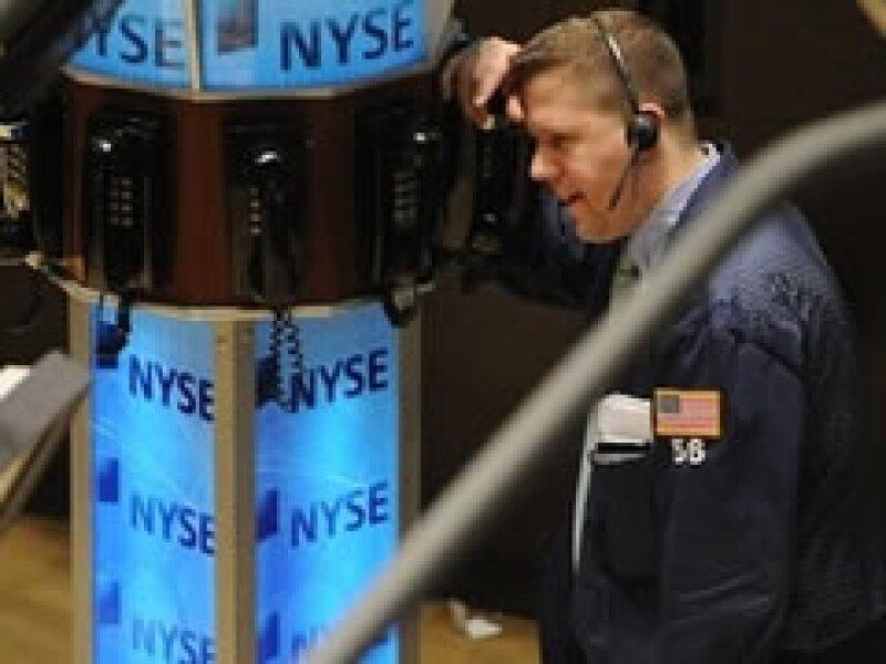 Los mercados estadounidenses se ven afectados por la caída en las acciones de los bancos. (Foto: Archivo)