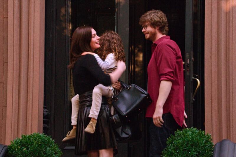 En la película de The Intern, se establece el caso de una esposa y madre cuya vida profesional resultó más imperante al grado de que su esposo se quedó a cargo de la casa.