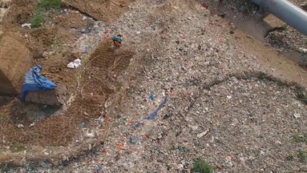 -FINDE-Océano-de-plástico-Nueva-Delhi-contaminación-AFP