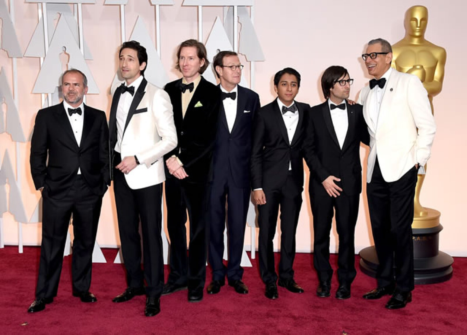 Jeremy Dawson, Adrien Brody, Wes Anderson, Hugo Guinness, Tony Revolori, Jason Schwartzmann y Jeff Goldblum.