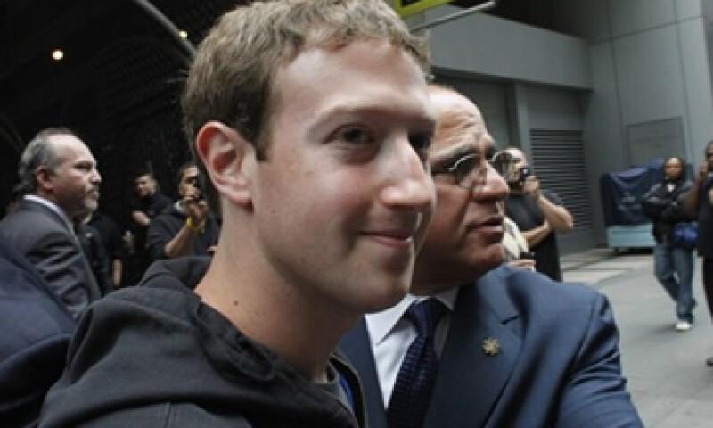 Facebook empezó hace 8 años como un proyecto en el dormitorio de Mark Zuckerberg en la universidad de Harvard. (Foto: Reuters)