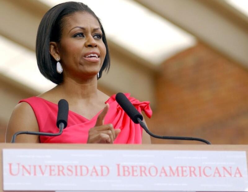 Durante su visita a nuestro país se reunió con estudiantes universitarios de México.