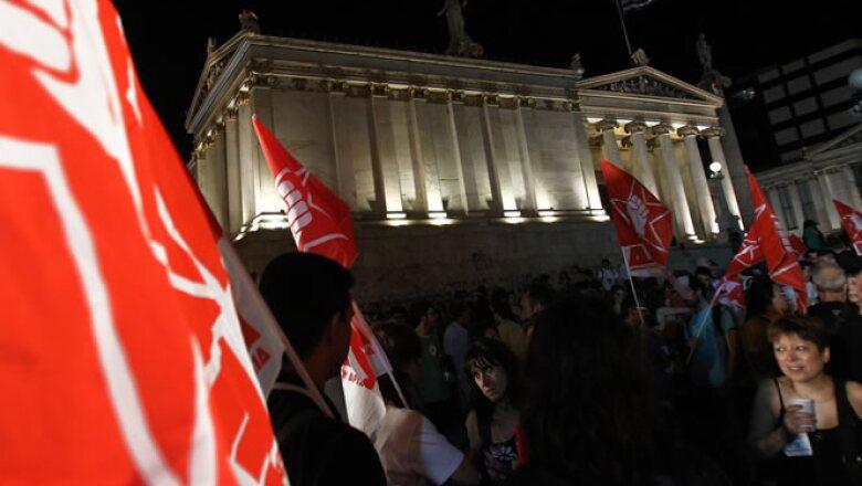 Los partidos políticos tienen puntos de vista muy diferentes sobre qué hacer con los préstamos del rescate que Grecia ha recibido y con las estrictas medidas de austeridad que los gobiernos anteriores aceptaron como condición para obtener los fondos.