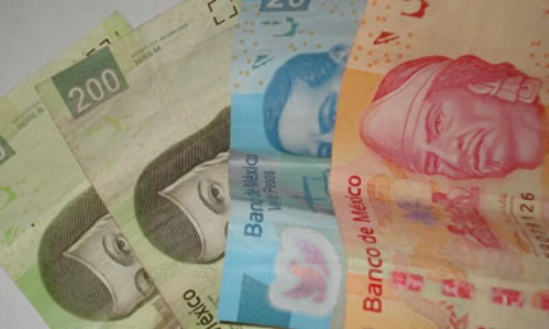 El dólar libre gana ocho centavos a la moneda mexicana este martes. (Foto: Karina Hernández)