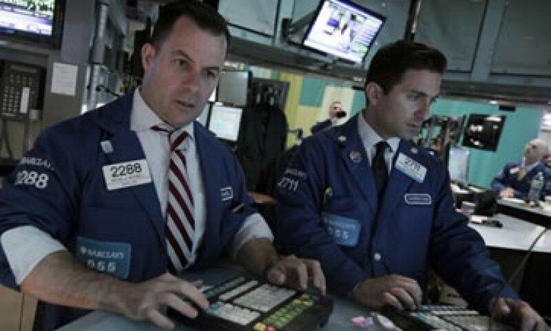 Las acciones en Wall Street recuperaron este martes parte del terreno que perdieron la semana pasada. (Foto: Thinkstock)