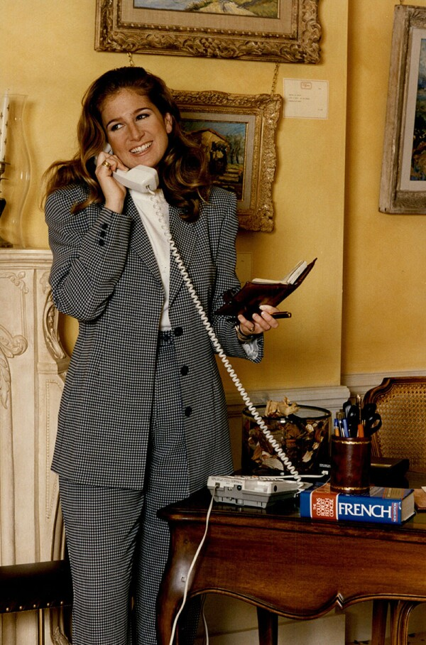Victoria Aldridge Art Gallery Assistant Wearing An Emporio Armani Suit.