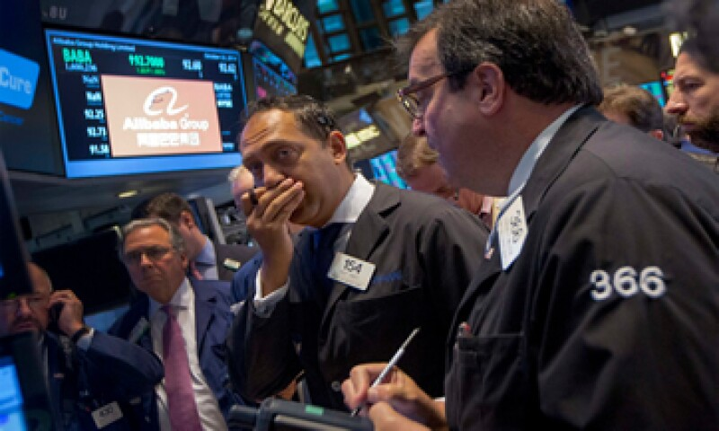 En el mes, el Dow Jones avanzó 2.5% y el Nasdaq ganó 3.5%. (Foto: Reuters )