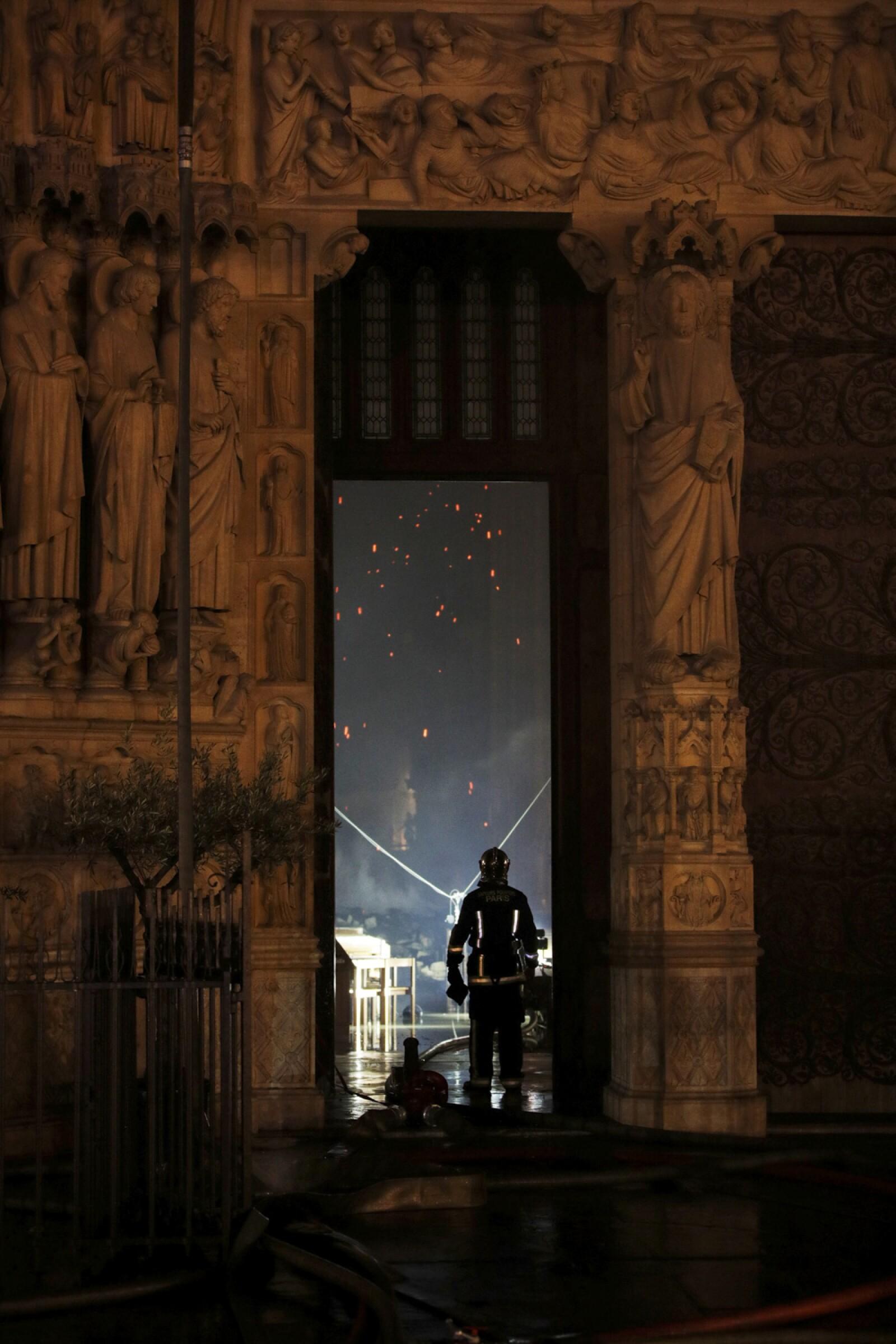 Incendio Notre Dame-4