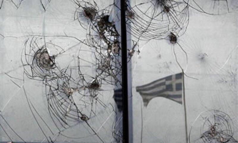 Acreedores representativos de cerca del 86% de la deuda privada de Grecia suscribieron el acuerdo de canje. (Foto: AP)