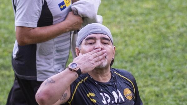 Maradona comienza su aventura como técnico de Dorados