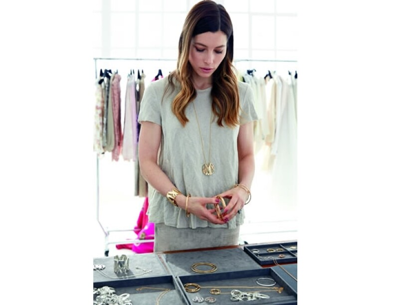 Jessica Biel realizó styling para la la campaña de la nueva colección Atlas de Tiffany & Co.