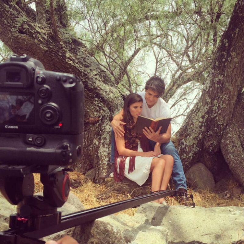 La pareja grabó el video ´Las mejores canciones´.