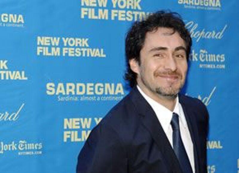 """""""Nadando con tiburones"""", dirigida por Claudio Carrera, lo verá volver a los escenarios."""