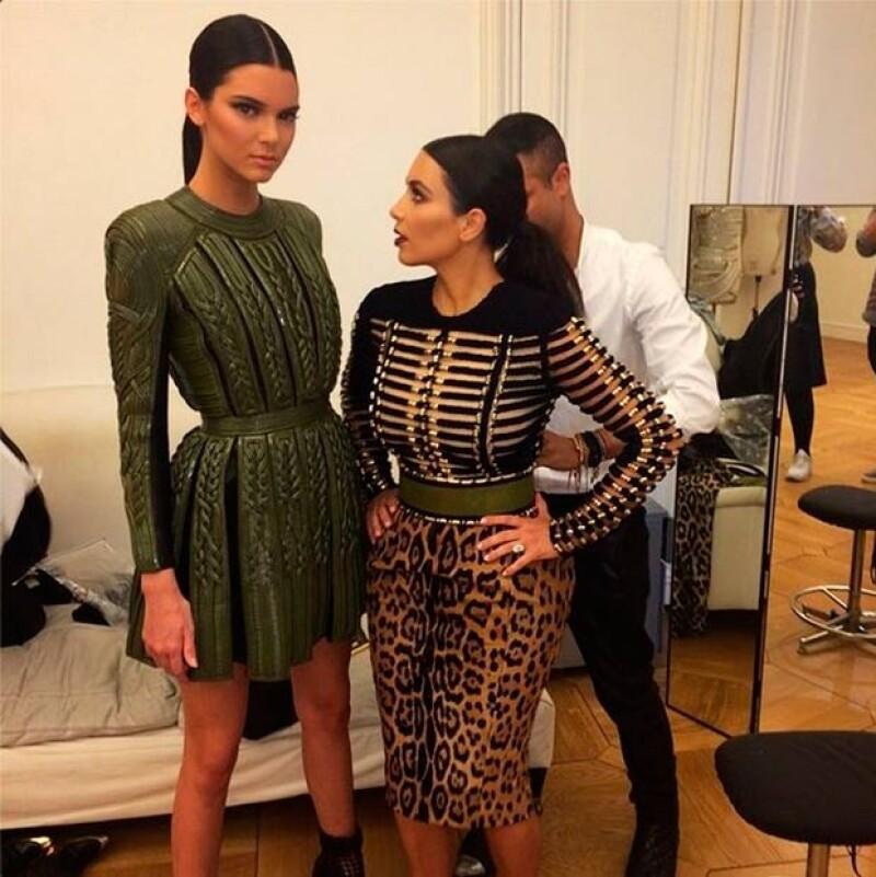 Kendall Jenner publicó esta foto y con humor posteó: Ella mira hacia arriba.