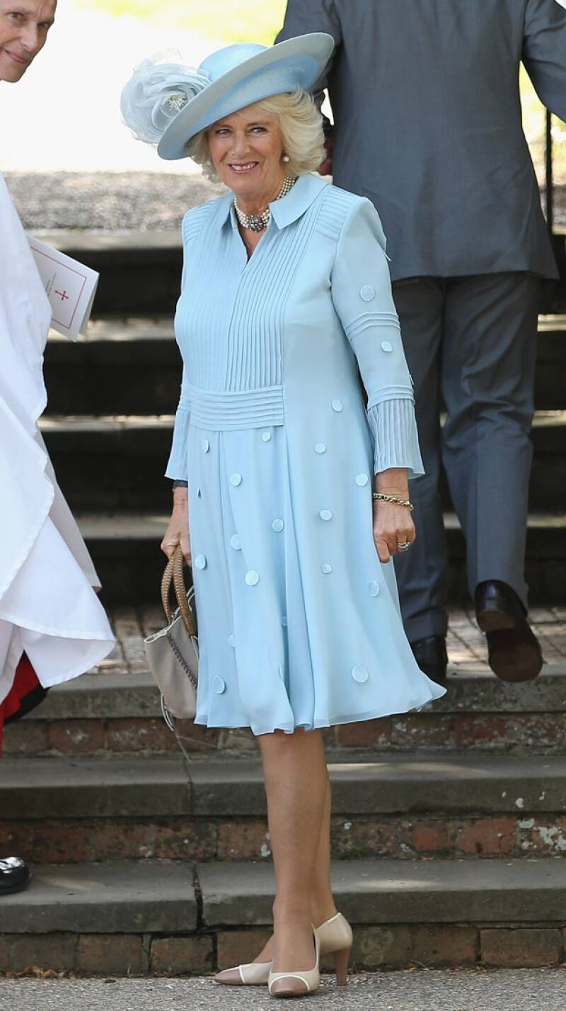 Definitivamente, el viento no fue el mejor amigo de la esposa del príncipe Carlos, pues durante el bautizo de la princesa Charlotte sufrió un momento vergonzoso.