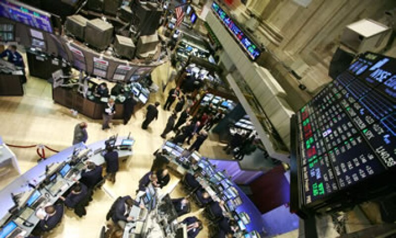 Los títulos de JPMorgan Chase, Bank of America, Goldman Sachs y Citigroup, subieron cerca de 4%. (Foto: AP)