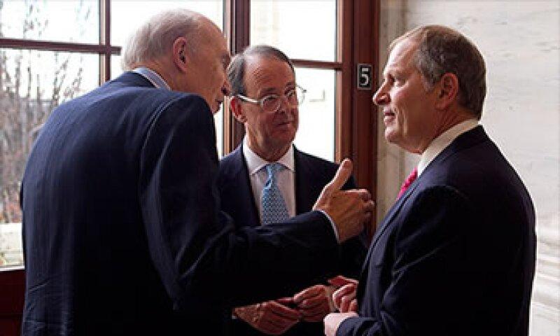 Alan Simpson y Erskine Bowles son los fundadores de la campaña a la que David Cote se ha unido en apoyo.  (Foto: Cortesía CNNMoney)