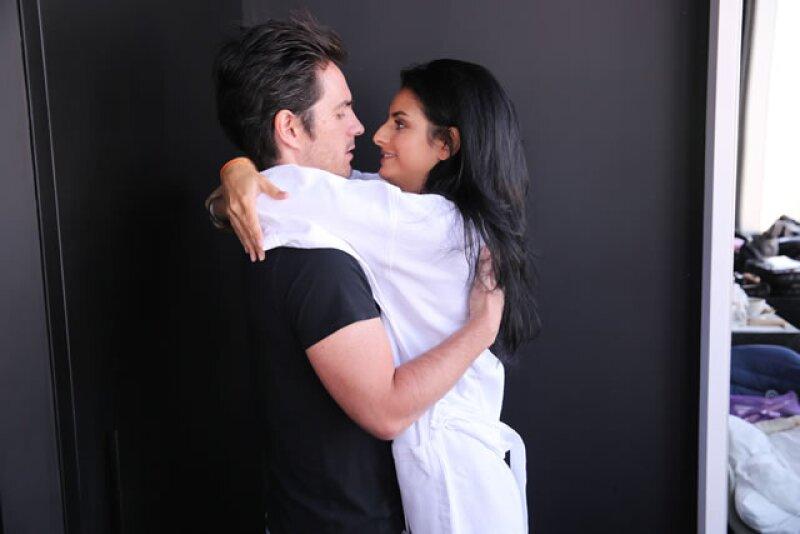 Aislinn y Mauricio se conocieron al protagonizar juntos la cinta `A la Mala´.
