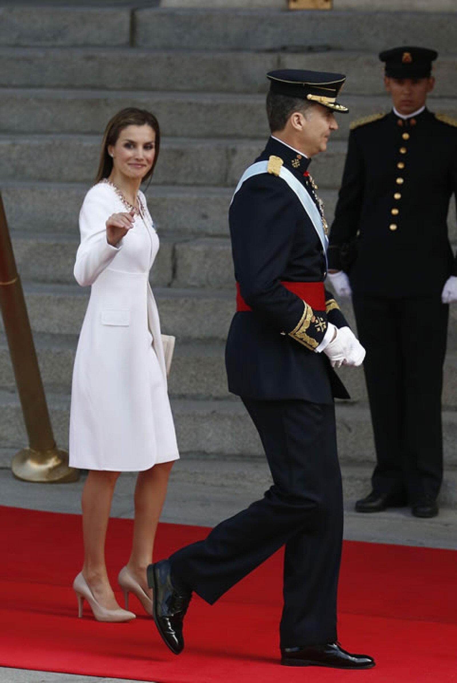 Letizia, que ha sido criticada por ser muy seria, hoy no ha parado de sonreír.