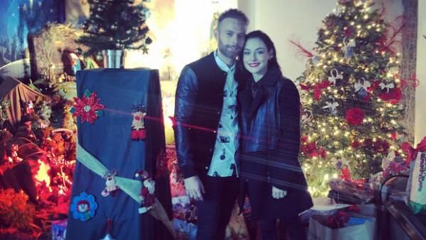 La pareja de recién casados celebró su primera Navidad juntos después de haberse casado a principios de diciembre en Puerto Escondido.