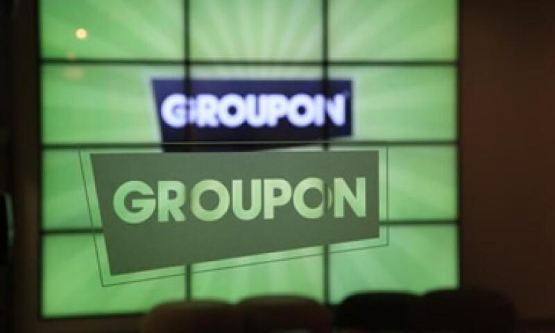 La intención original de Groupon era vender 30 millones de acciones a un valor de entre 16 y 18 dólares cada una. (Foto: AP)