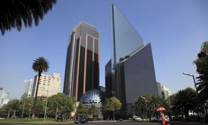 La Bolsa mexicana también bajó debido a una baja en la confianza del consumidor. (Foto: Archivo)