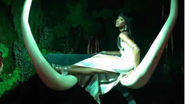 La modelo celebró su cumpleaños número 45 en al castillo Saint Jeannet, en Niza, rodeada de celebs como Leonardo DiCaprio, Gigi Hadid y Kendall Jenner.