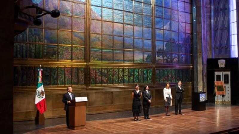 Calderón reinauguró la sala principal de Bella Artes
