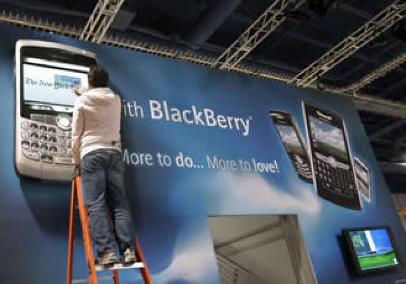 BlackBerry se alista para disputarle un mayor mercado al iPhone. (Foto: Archivo AP)
