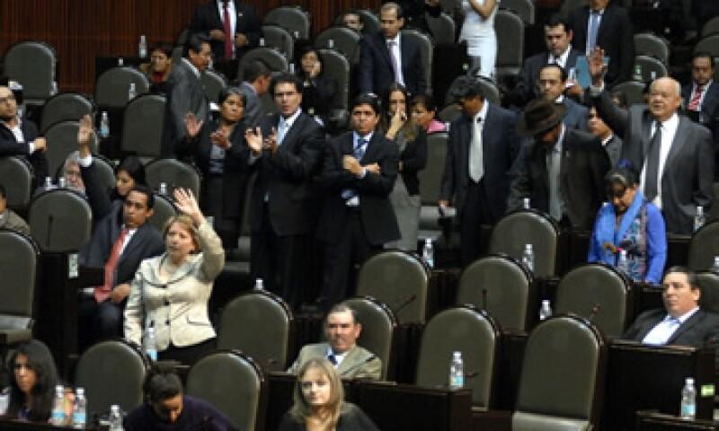 Acusan que la irresponsabilidad de los partidos y sus legisladores pone en entredicho la capacidad y funcionamiento del IFE. (Foto: Notimex)