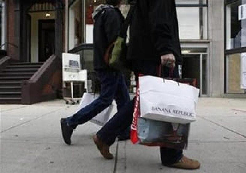 Las ventas caerían hasta 3.9%, según la mediana de un sondeo entre expertos. (Foto: Reuters)
