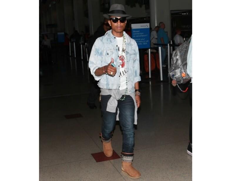 Pharrell Williams siempre ha demostrado estilo, usando piezas fuera de lo común.