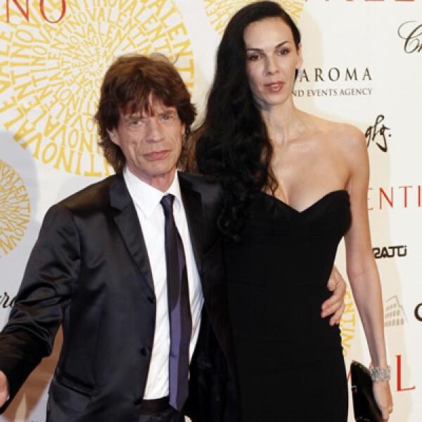 Actualmente sale con la diseñadora LWren Scott con quien ha festejado sus 70 años de edad en clubes privados de Londres.