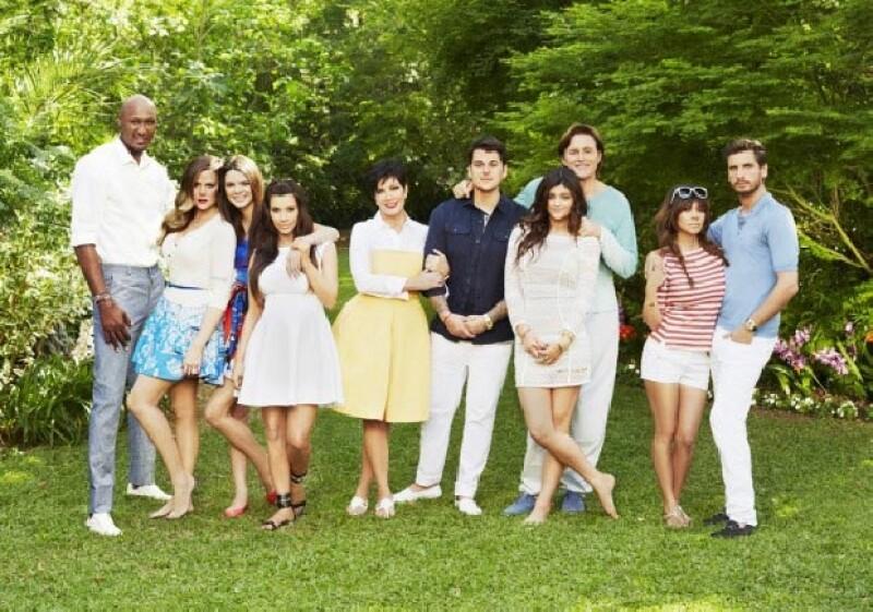 El gran ausente es Kanye West en la foto oficial de la octava temporada del reality.