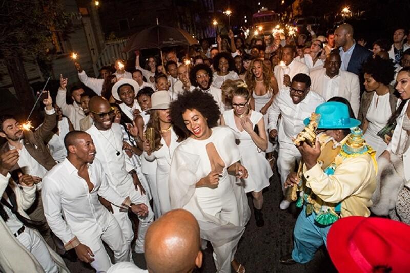 La cantante contrajo matrimonio este domingo con Alan Ferguson en Nueva Orleans, una ceremonia en la que la música fue protagonista.