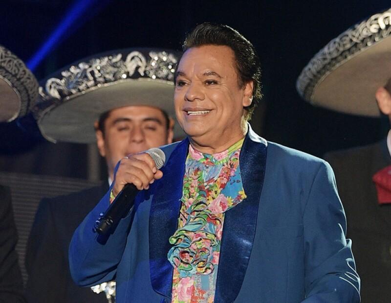 En la que fuera su última presentación, el fallecido ícono de la música mexicana ofreció a todos los asistentes una especial dedicatoria.