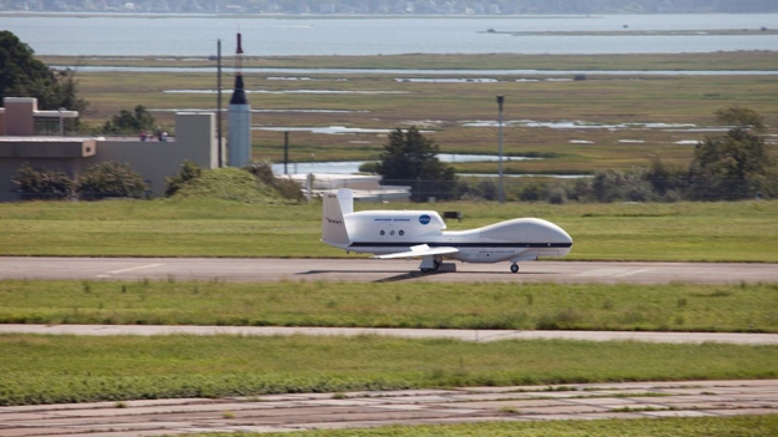 aviones caza huracanes NASA